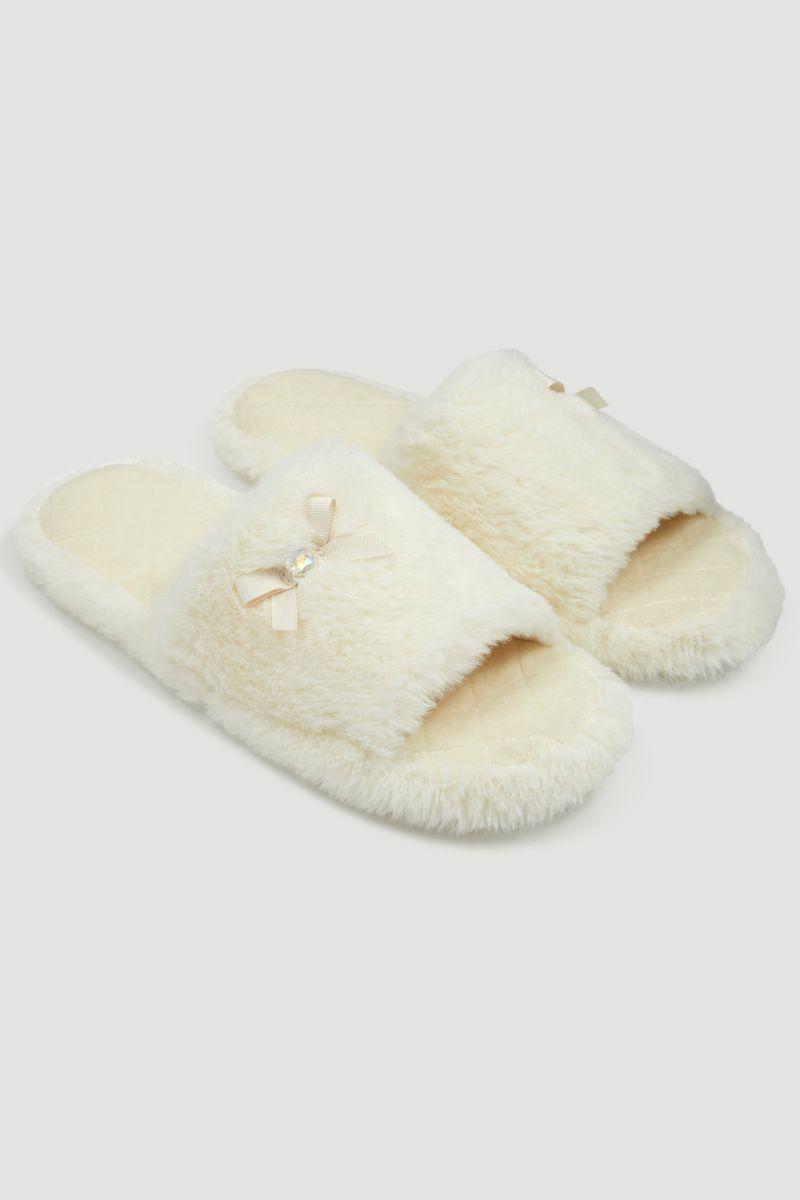 Cream Fur Slider