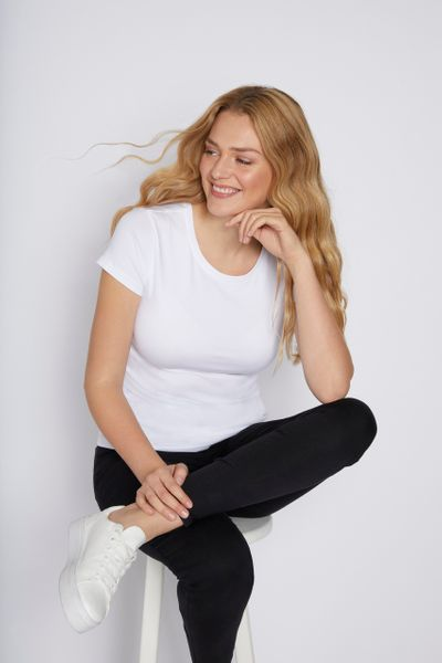 Fitted White T-shirt